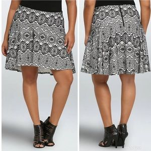 Torrid Black and White Bonded Lace Skater Skirt